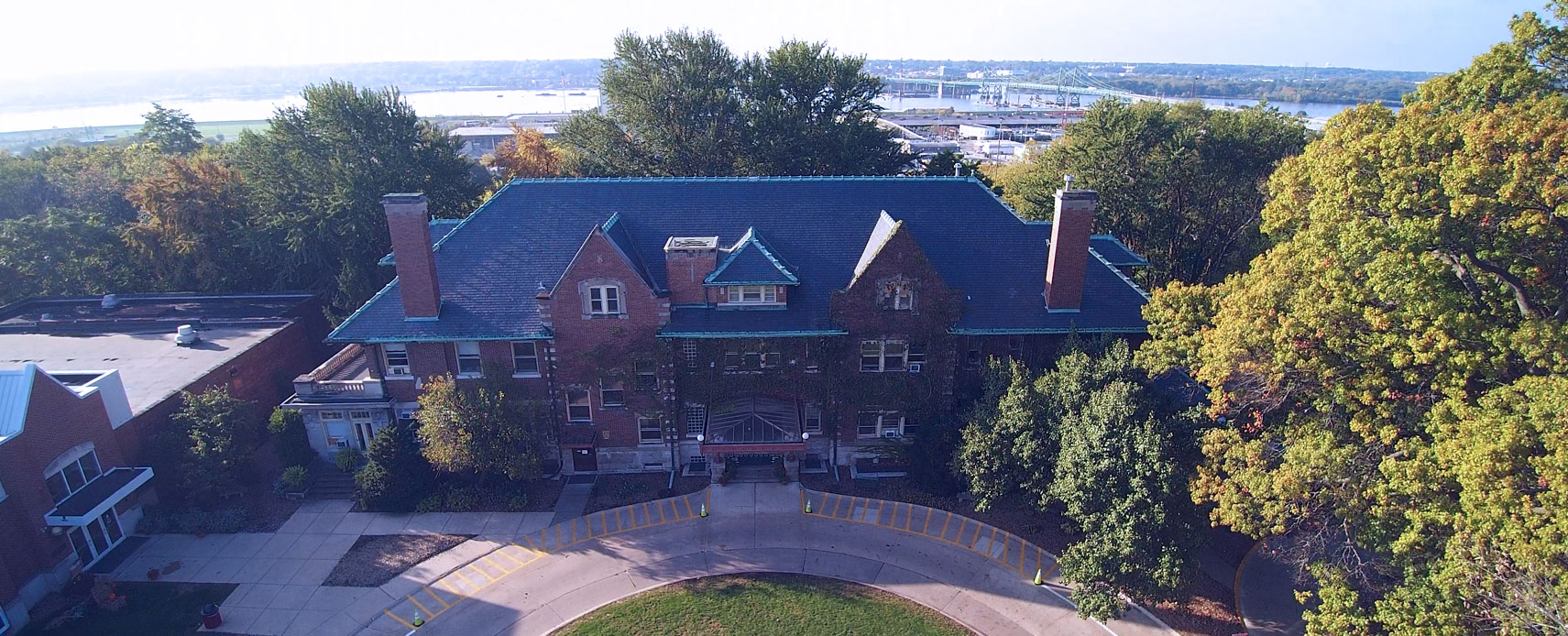 Photo of the Bettendorf Mansion at Rivermont Collegiate from above.