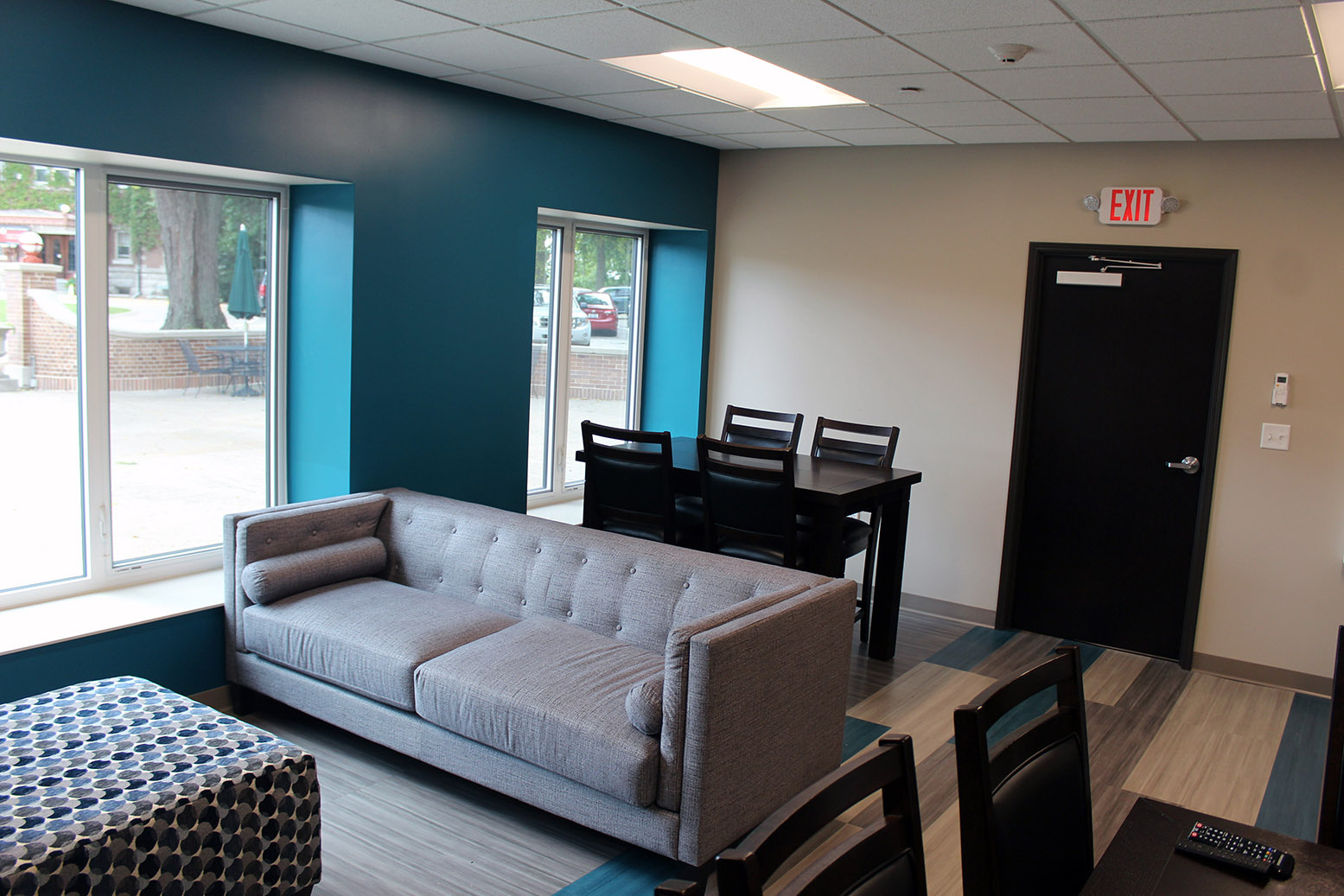 Photo of the students commons in residence hall